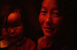 Madre e hija. Norte de Mongolia