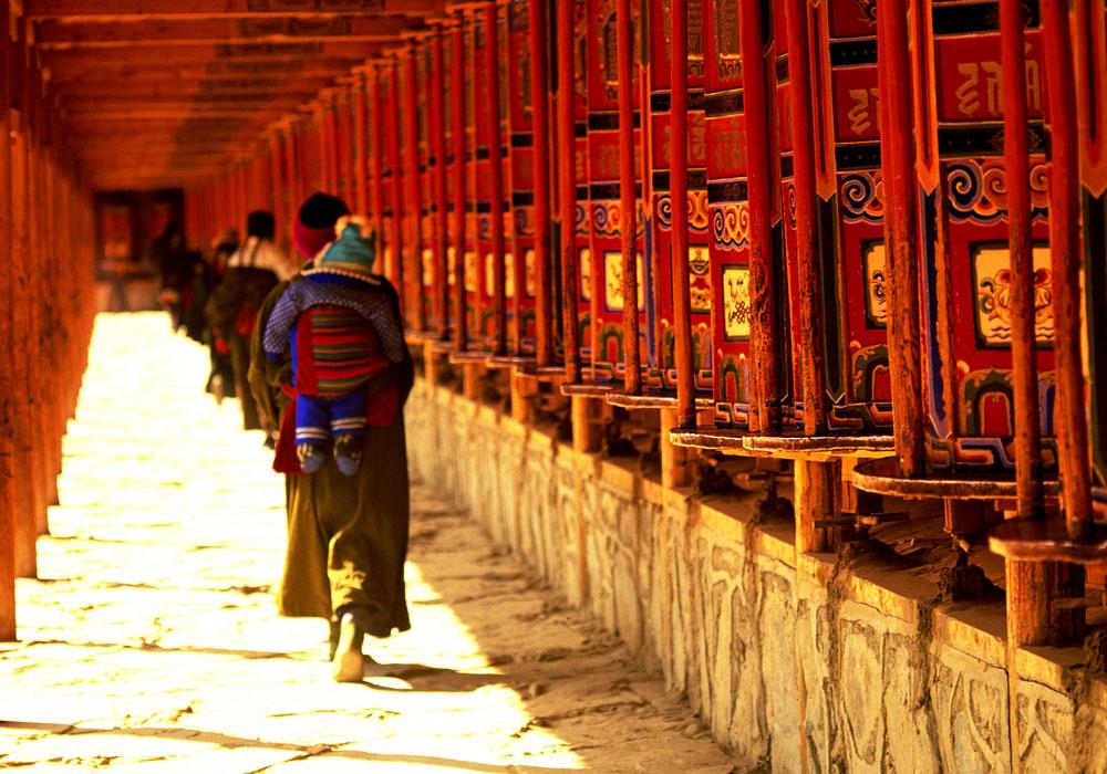 Ruedas de plegarias. Oeste de China.