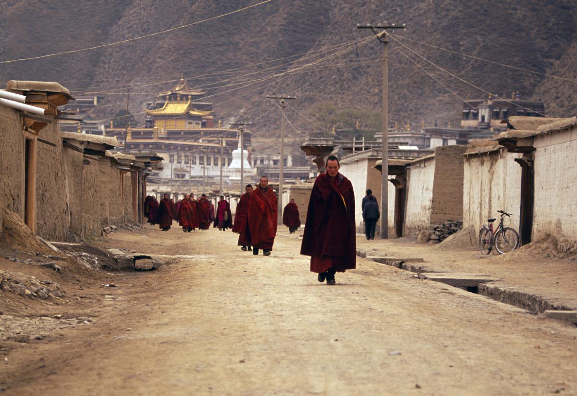 Llegando los monjes. Xiahe, China