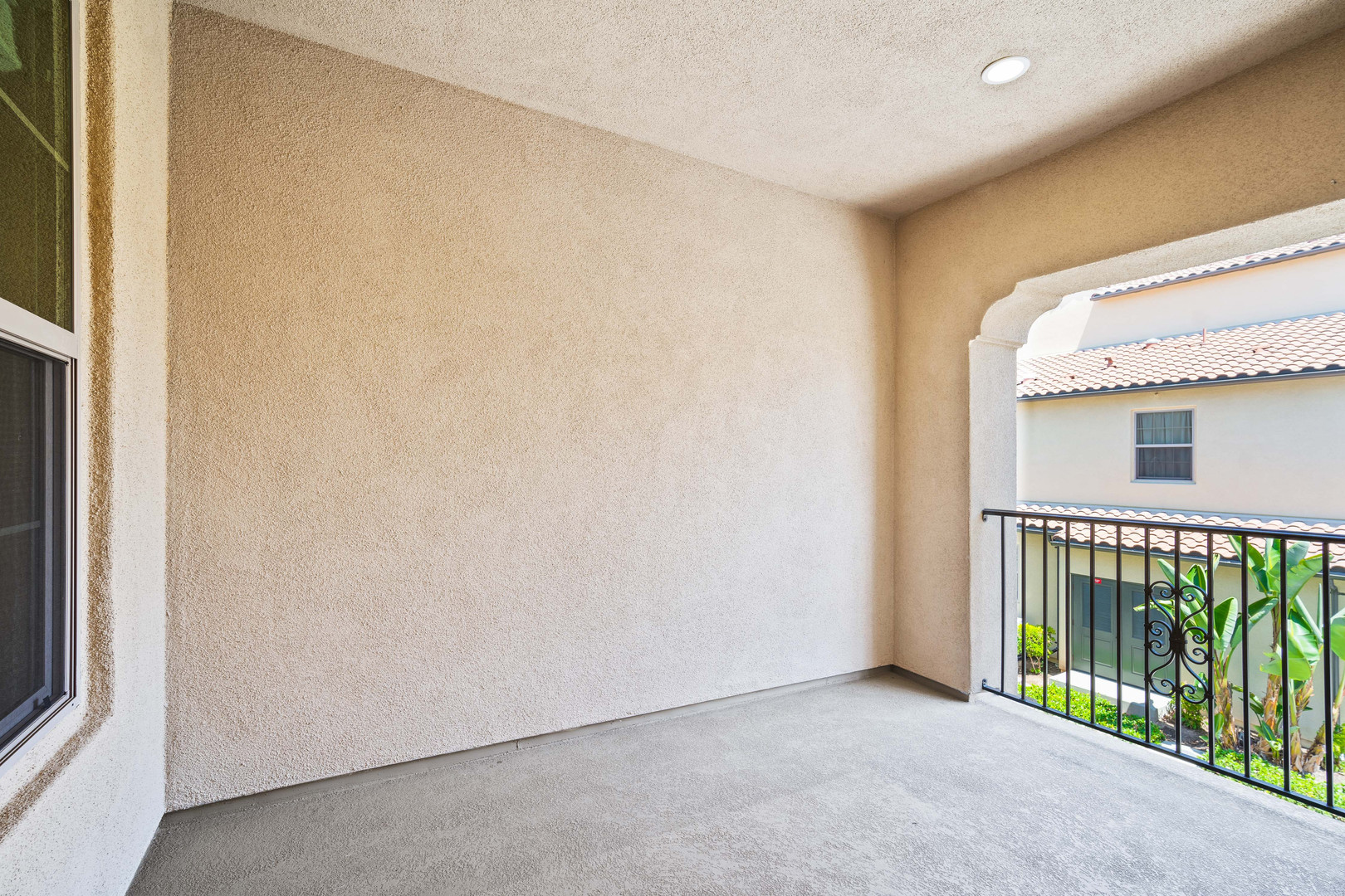 53 Bay Laurel - Irvine Covered Balcony.j