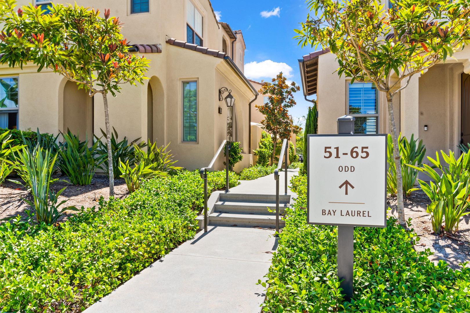 53 Bay Laurel - Irvine Walkway 1.jpg