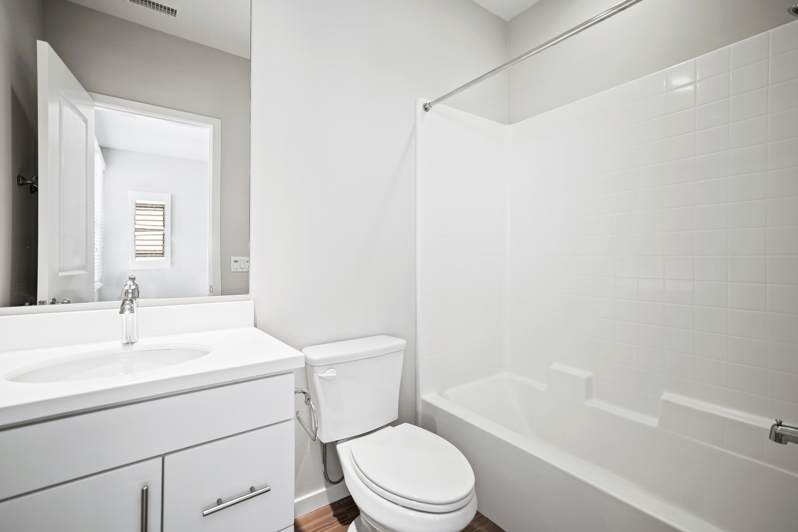 53 Bay Laurel - Irvine Full Bathroom 3.j