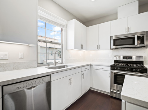 53 Bay Laurel - Irvine Kitchen 1.jpg