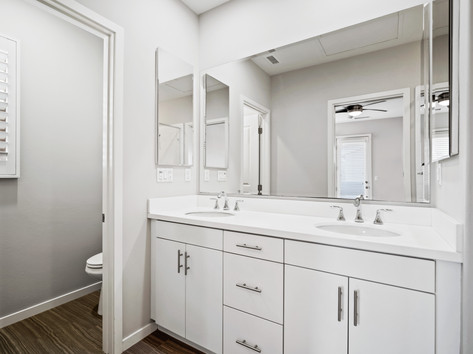53 Bay Laurel - Irvine Master Bathroom (