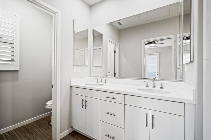 53 Bay Laurel - Irvine Master Bathroom (