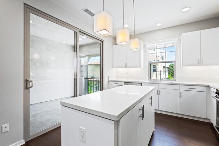 53 Bay Laurel - Irvine Kitchen2.jpg