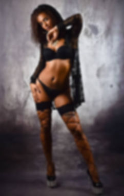 Stripteaseuse black Paris Audrey