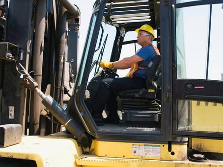 Keuntungan Menggunakan Jasa Sewa Forklift dalam Bisnis