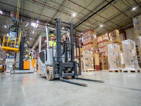 Mengenal Forklift Merk CAT dan TCM Yang Banyak Di Indonesia