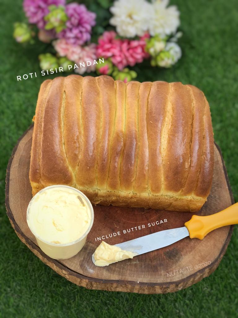 Roti Sisir pandan nutaste cake