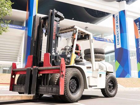 8 cara mengoperasikan Forklift yang benar