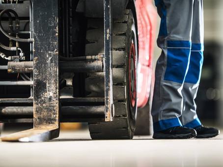 Mana Lebih Baik Forklift Bekas vs Forklift Baru