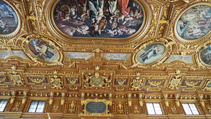 Rude pictures and golden ceilings