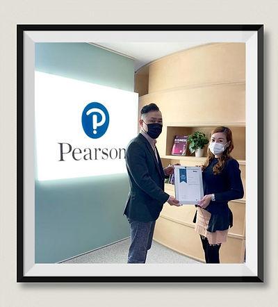 HKBHA Academy 學員 Chow Kam Tung Christy  獲 PEARSON BTEC 頒授傑出學員獎項,  獲 PEARSON 北亞及大中華區總監親自頒發嘉許狀,  以表揚學員