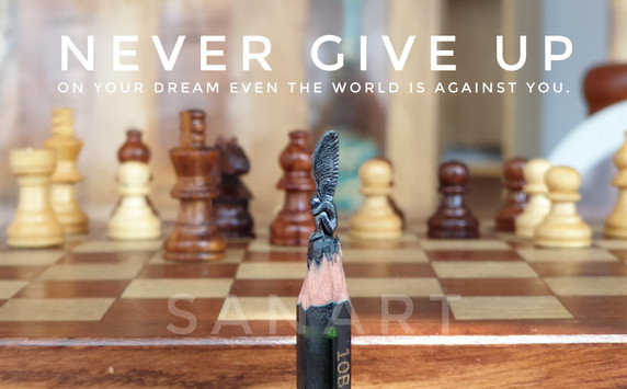 NEVER GIVE UP- MINIATURE ART GIFT ON PENCIL LEAD