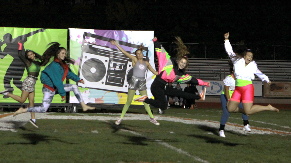 Hounds bring home a win for Homecoming; football season ends in loss to Redwood