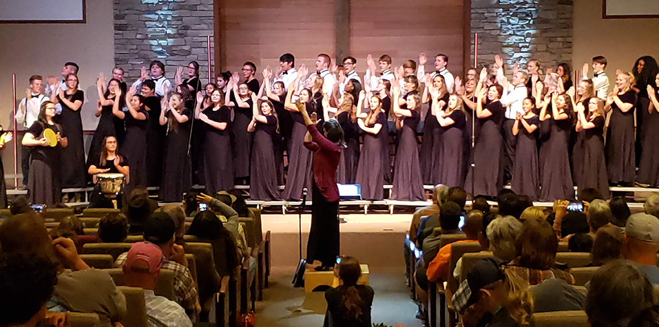 AHS Choir gathers full audience for Fall Choral Concert