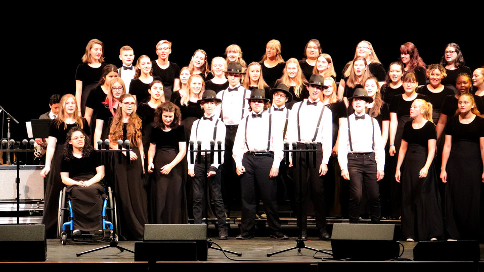 AHS choral students shine at Cuesta College Vocal Jazz Festival and fall concert