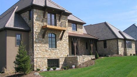 Residence 18  ·  Leawood, KS Onaga split