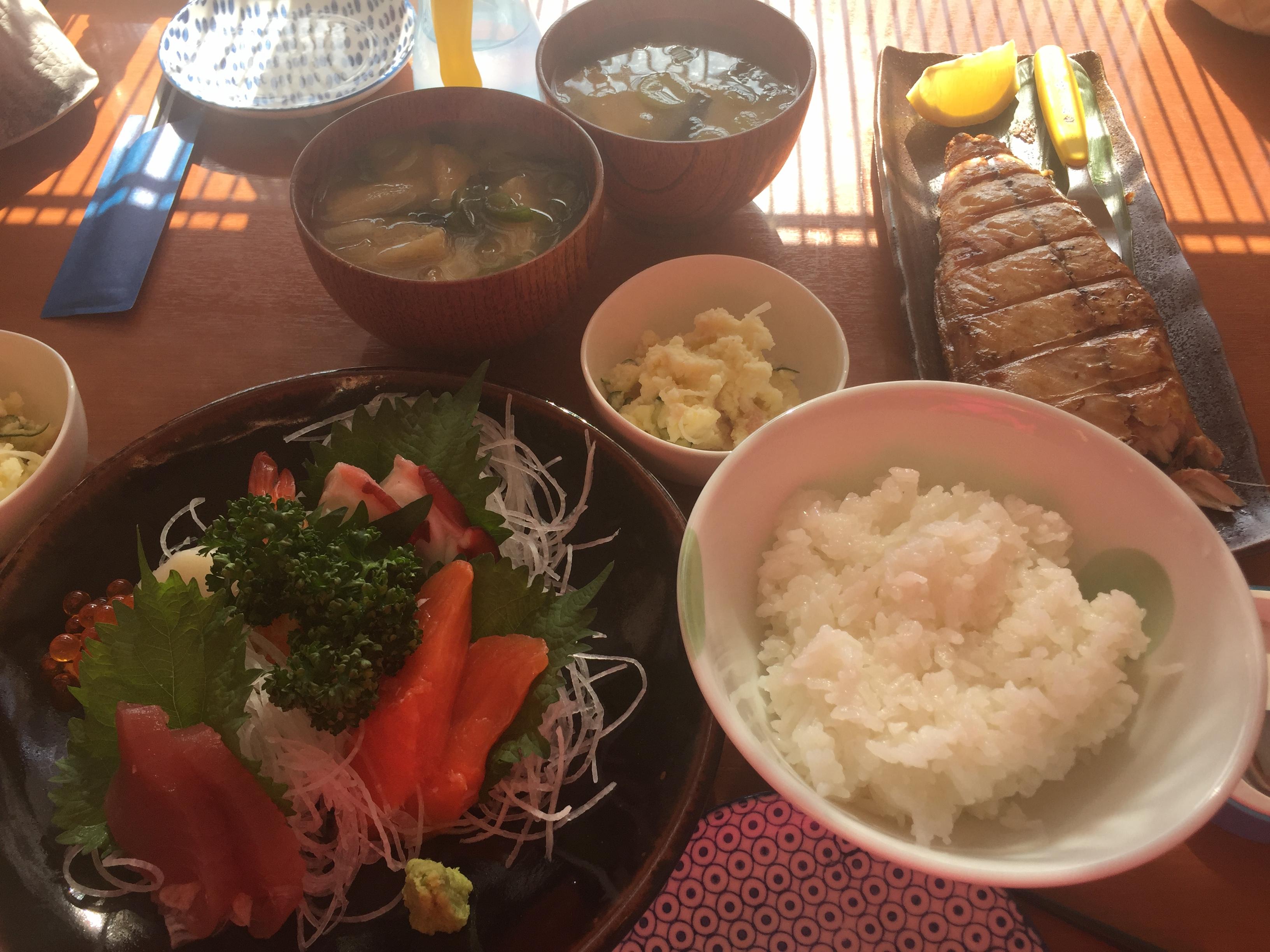 要予約の定食(刺身定食・焼魚定食)