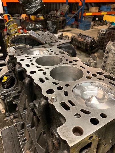 Mercedes Sprinter Euro 5 Engine.jpg