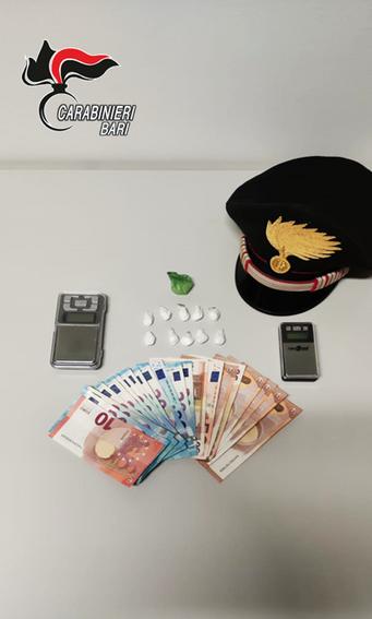 POLIGNANO A MARE - Sorpresi a spacciare cocaina. 3 arresti