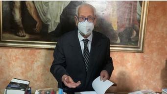 FOGGIA - Medico foggiano a 88 anni si prepara per la 14esima laurea