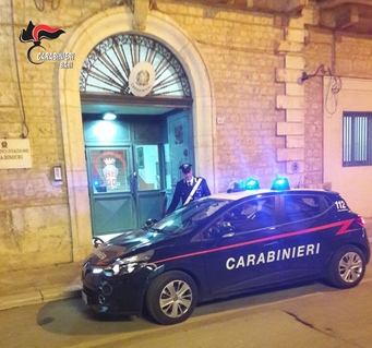 CASAMASSIMA (BA) - Tentano una rapina in un negozio