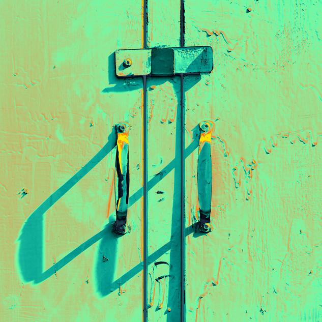 Door & Handle