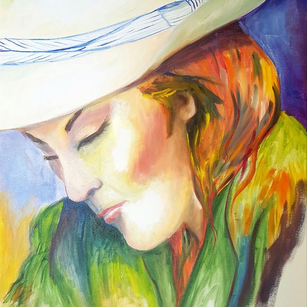 Women in white hat