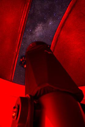 Potente telescopio de 16 pulgadas