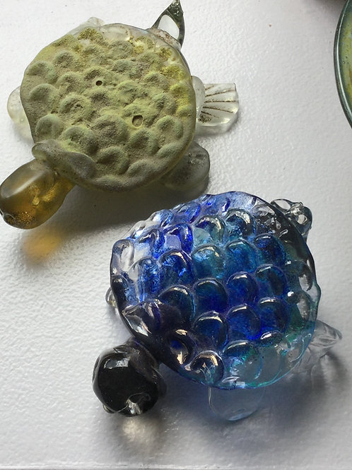 1 Glass Turtle