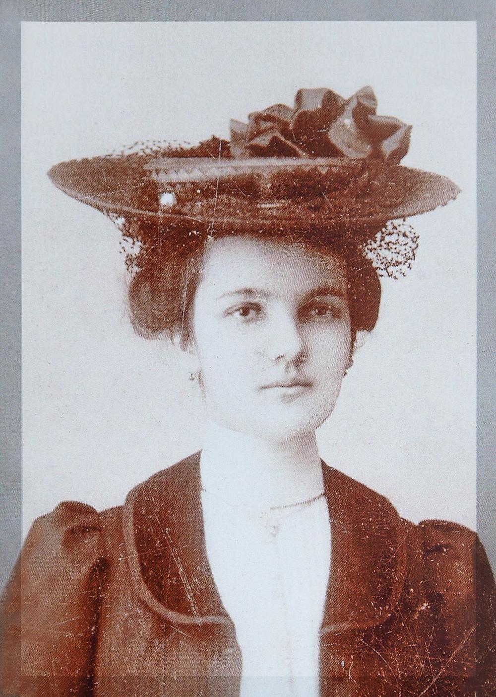 Portrait de Julia Porchet, tenancière du Café de Chavannes dans les années 30
