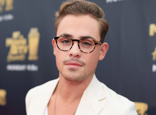 """Dacre Montgomery (Stranger Things) on Acting: """"It's a draining experience.. but amazing!"""""""