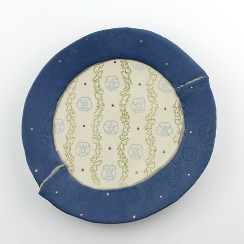 two-toned lunch plate