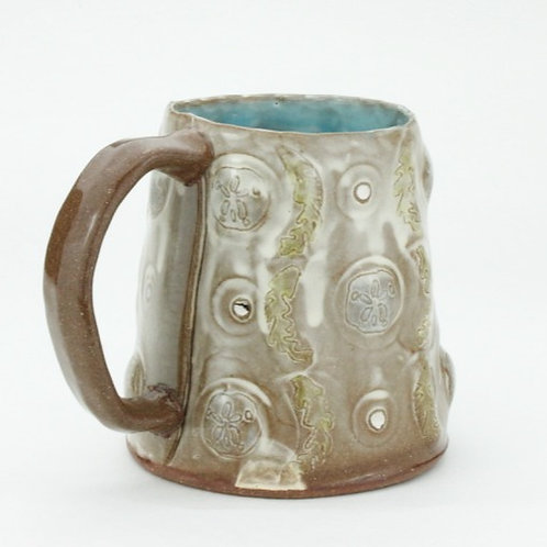 red seaweed and sand dollarwallpaper mug
