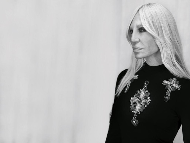 Versace dice addio alle pellicce animali