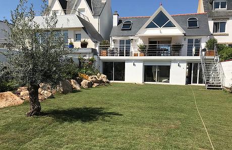 la nouvelle apparence de la maison, profondément modifiée avec la construction de la terrasse panora