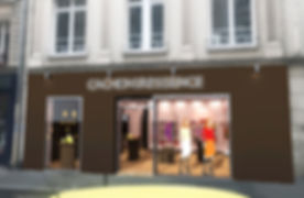 LA FACADE donnant sur la rue à Paris