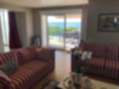 un salon panoramique ouvert sur l'océan atlantique