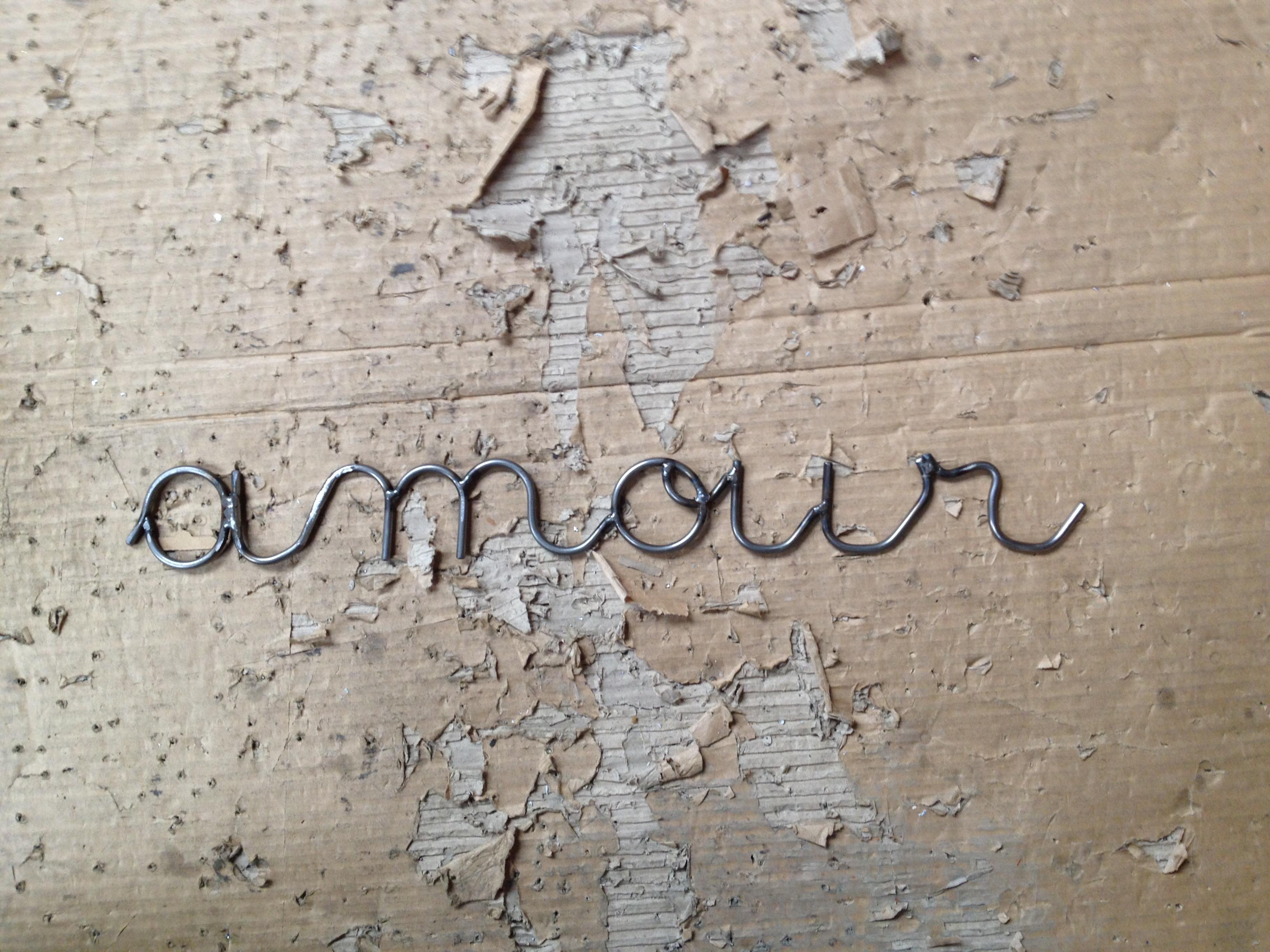 Amour écrit en fer