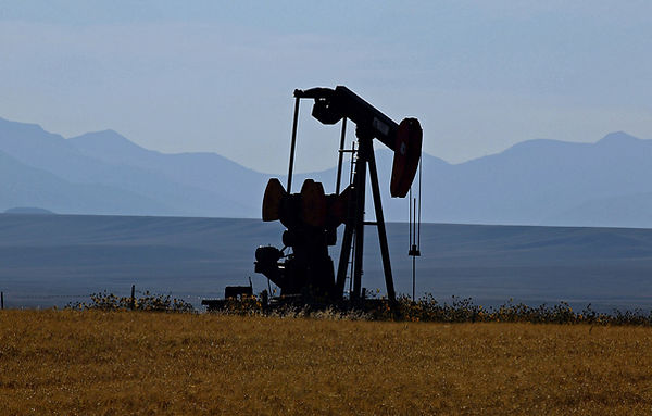 oil-pump-51658_1920.jpg