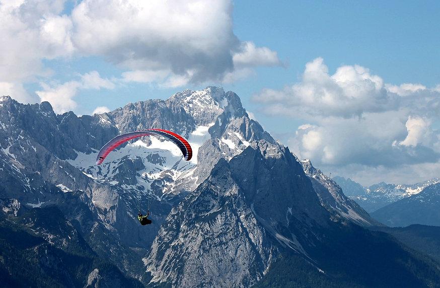 paraglider-2378548_1920_edited.jpg