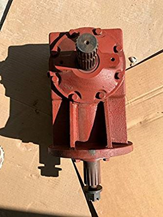 "90HP Rated Rotary Cutter Gearbox, 1-3/4"" 20 Spline in and 1.97"" X 15 Spline out"
