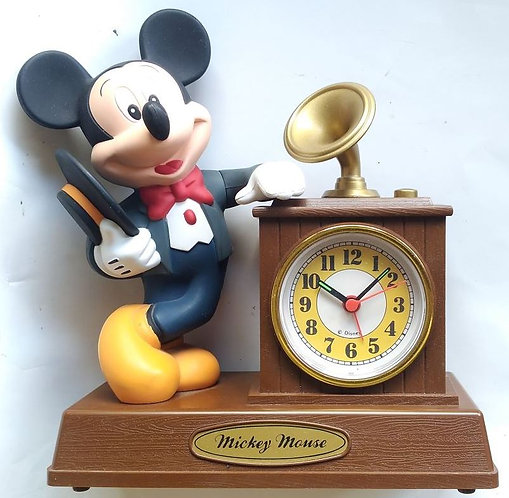 MICKEY MOUSE SAT BUDILICA