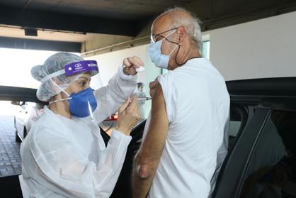 Idosos de 68 anos serão imunizados nesta segunda-feira (5) em Paulínia