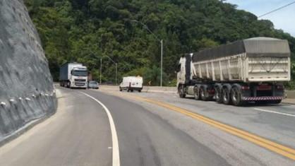 Circulação de veículos de carga está proibida durante a temporada de verão e feriados prolongados