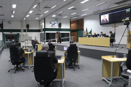 Câmara aprova regras para licenciamento ambiental e serviços delivery