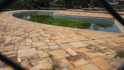 Centro Poli Esportivo do Jardim Monte Alegre se encontra em completo estadode abandono
