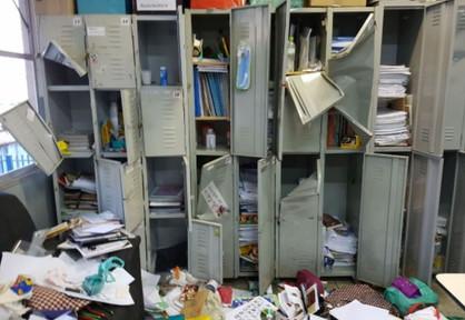 Escola municipal no Jardim Ouro Negro é invadida e furtada por vândalos